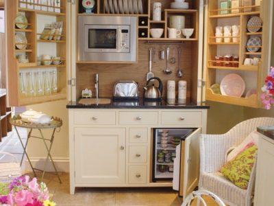 decorating-idea-for-a-small-kitchen-10-e1352825580103