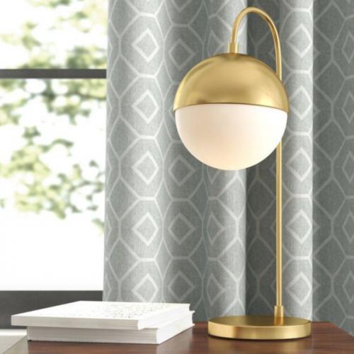 asztali lampa-arany-gomb-skandinav stilus