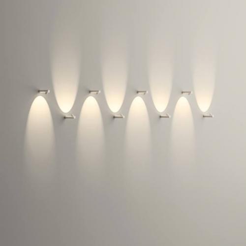 falikarok-fenyjatek-modern lampa-folyoso vilagitas